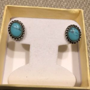 Jewelry - Silver turquoise earrings!!